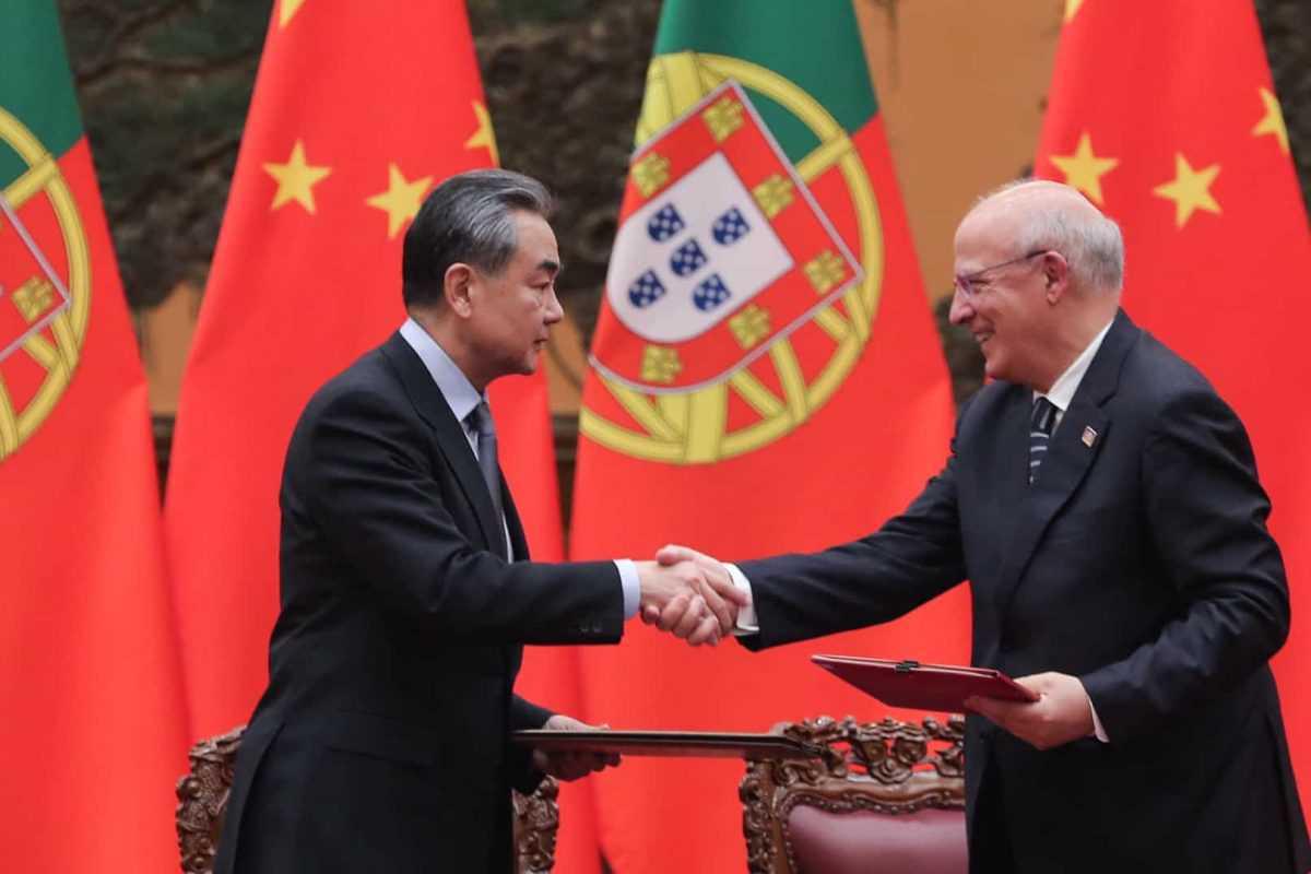 Governo chinês em contacto com embaixada chinesa em Portugal