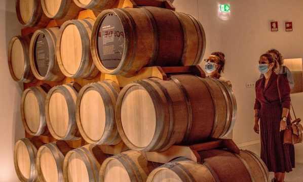 https://www.nihaoportugal.pt/wp-content/uploads/2020/11/wine-598x360.jpg